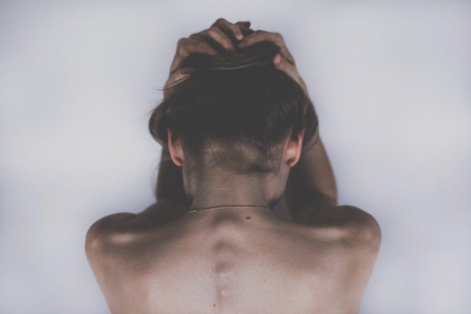 Corpo inibito - Il blocco psicosomatico collettivo della pancia - Mindfulness Sardegna